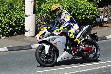 Legend Rossi TT isle of man lap r1 valentino motogp Visordown Motorcycle News