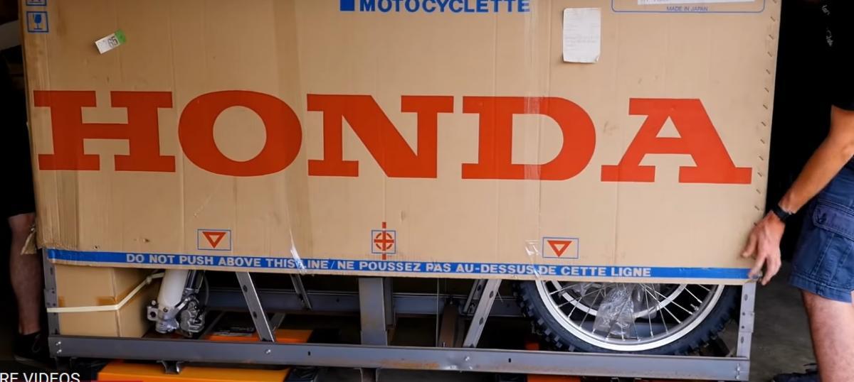 Unboxing A Brand New 2001 Honda CR500 Visordown