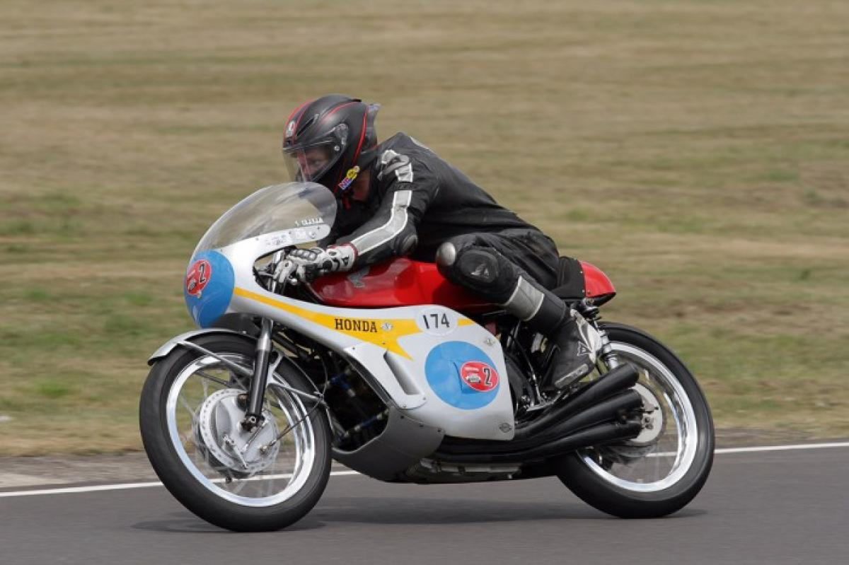 Watch: Guy Martin rides Honda RC174 | Visordown