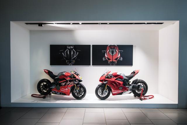 Ducati V4R and Ducati WSBK