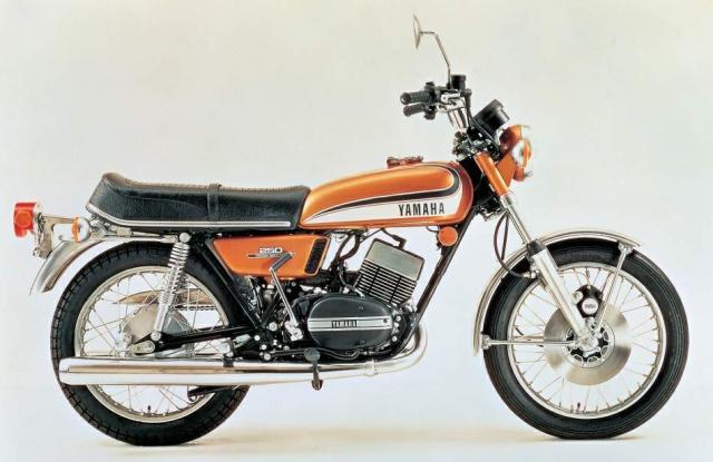 Decades of decadence: Yamaha RDs explored | Visordown
