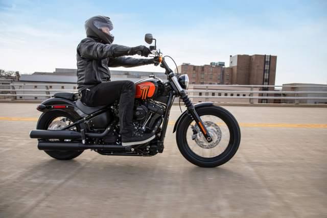Harley-Davidson 2021 Street Bob 114 road