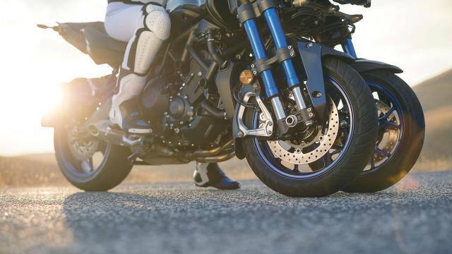 Yamaha reveals 'Niken' three-wheeler