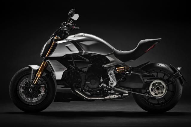 2019-Ducati-Diavel-1260-S