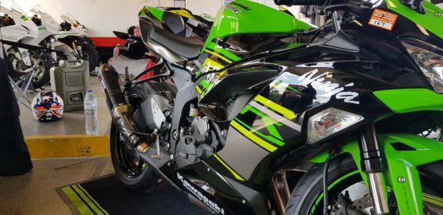 Kawasaki Ninja ZX-6R w/GB engine covers