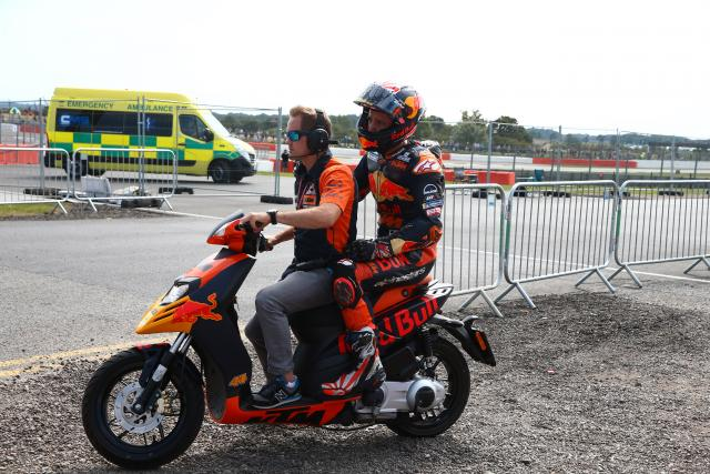 Oliveira, Zarco crash