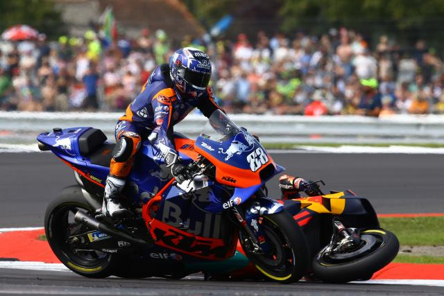 Oliveira, Zarco crash