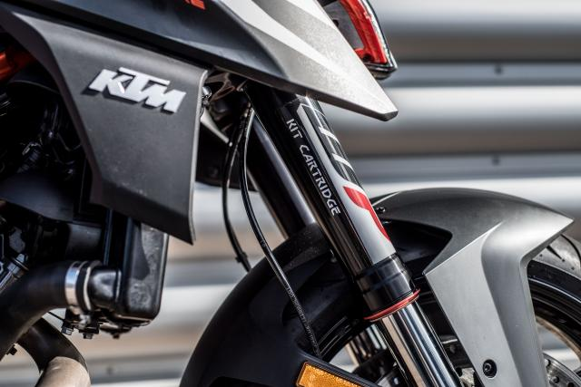 KTM 1290 Super Duke R (2019) Review