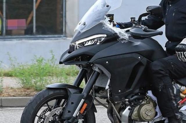 Ducati-Multistrada-V4-testing