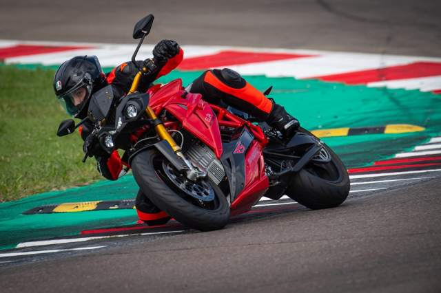 EVA Ribelle RS Credit Lorenzo Concari