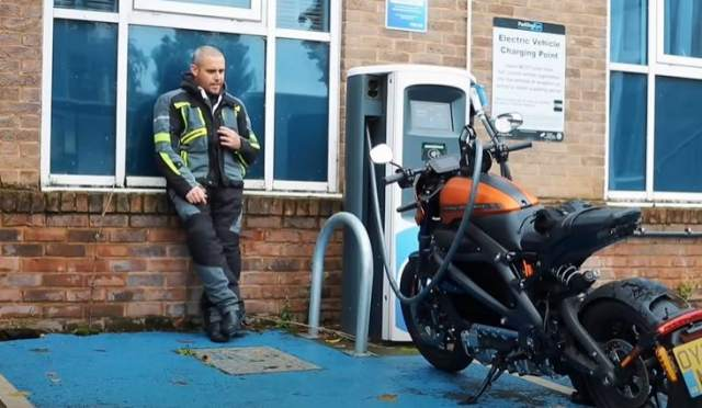 Harley-Davidson LiveWire recharge