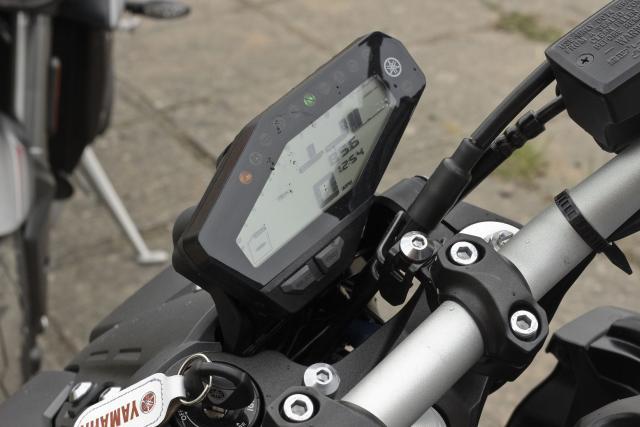 Yamaha MT-09 dash