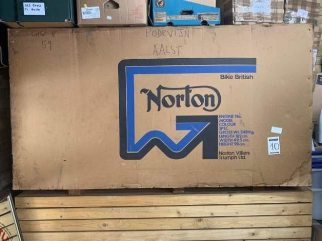 Norton Commando 850 crated