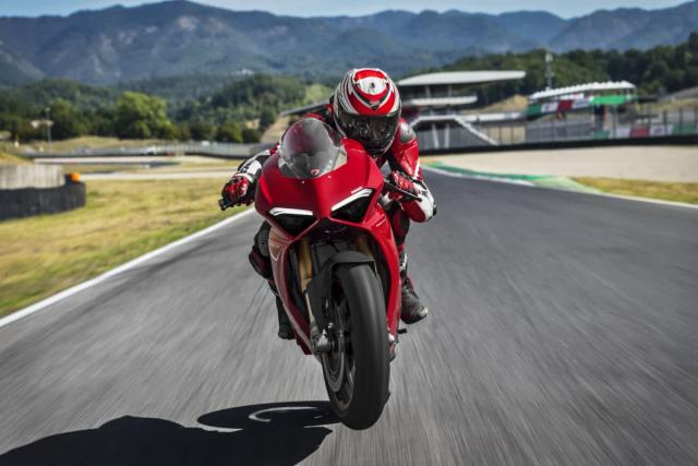 Ducati unveils Panigale V4 ahead of EICMA