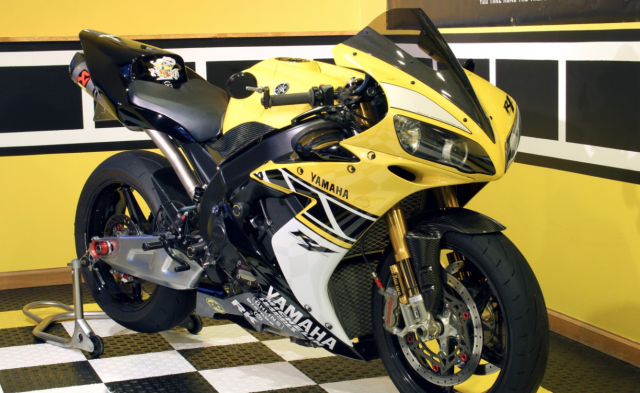 2006 Yamaha R1 SP