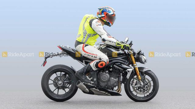 Speed Triple 1160 spied