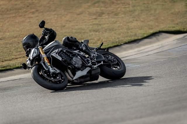 Speed Triple 1200 RS - Hero Riding