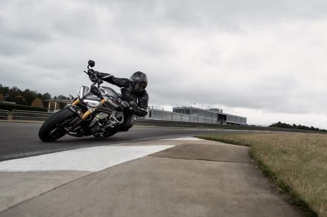 Speed Triple 1200 RS - Hero Riding 3