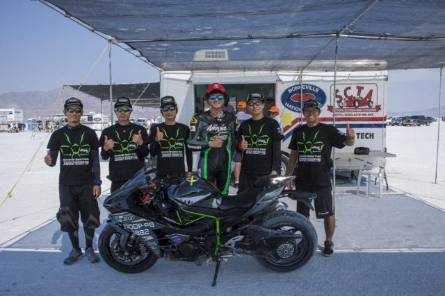 Kawasaki H2 sets world speed record at Bonneville