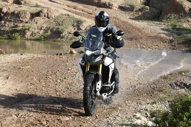 Triumph Tiger 900 Visordown Review