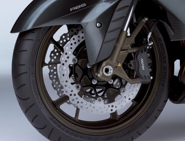ZZR1400 Front_brake