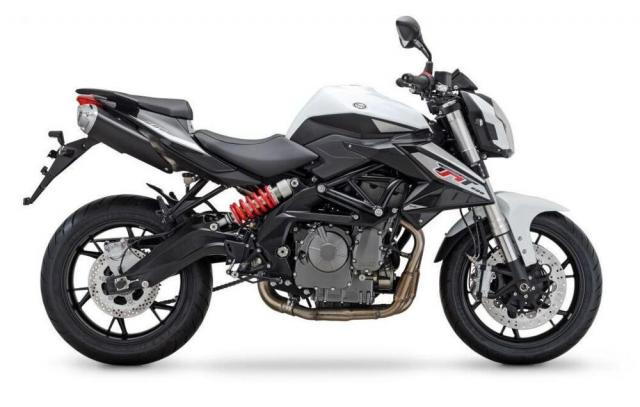 2020 Benelli TNT600i Cheapest Inline Four Cylinder Bike