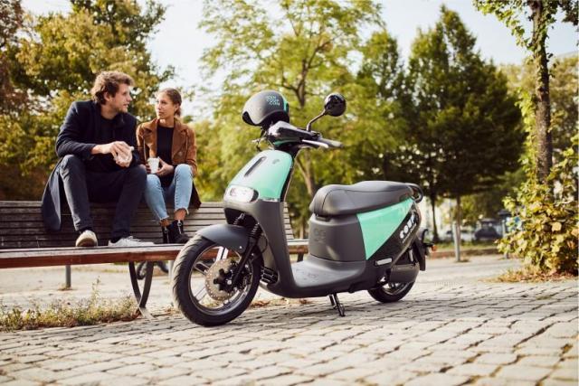 Gogoro and Yamaha team up to make bikes using removable batteries