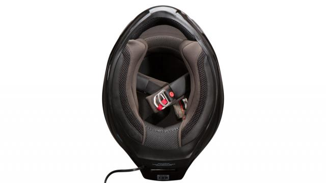 feher-ach-1-helmet-interior.jpg