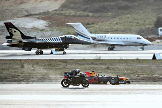 WATCH: THE GREATEST DRAG RACE OF ALL TIME