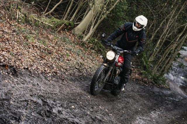 Scrambling on the Triumph Street Scrambler