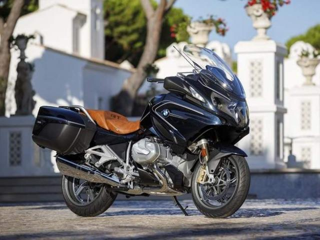 The new BMW R1250RT is here