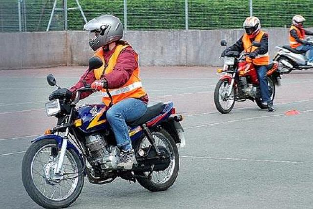 how to pass your motorcycle test