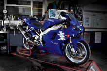 Retro File: 1998 Yamaha R1
