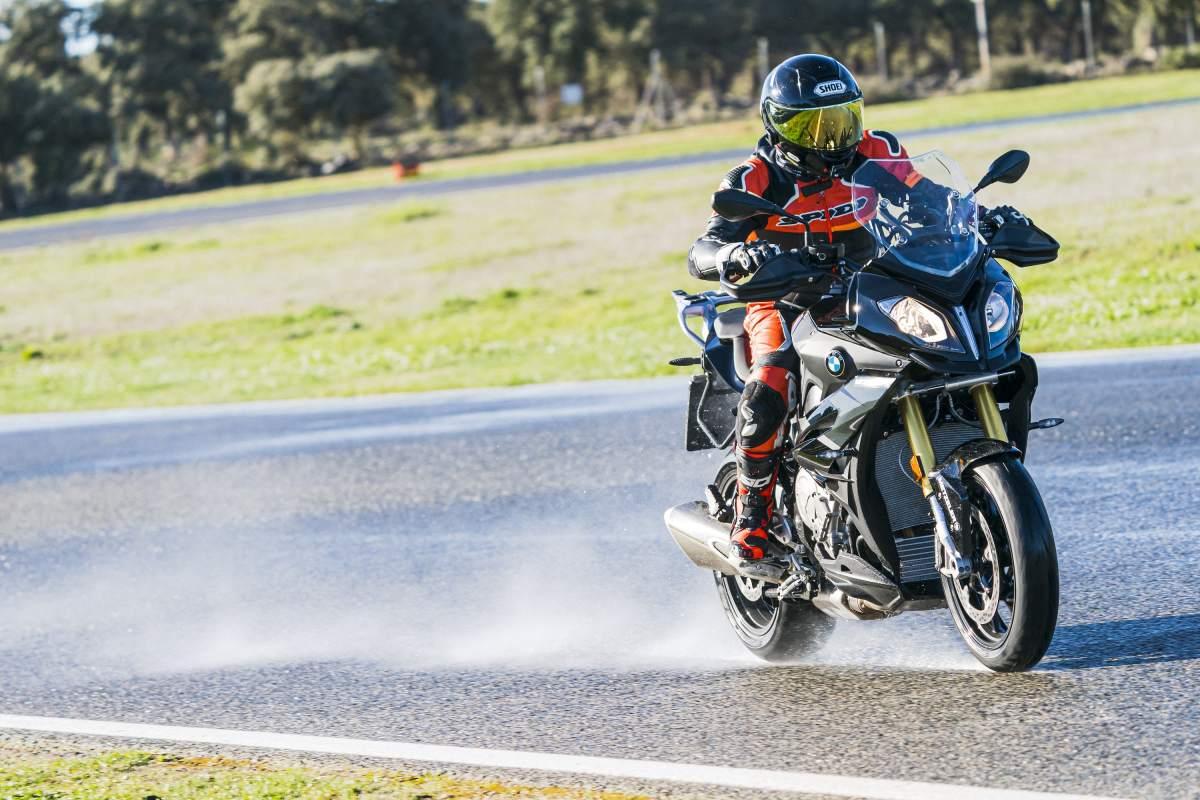 Metzeler Sportec M9RR review