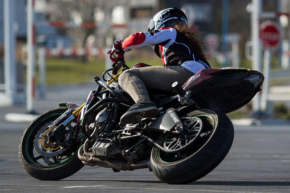 How to drift a bike in easy steps by Sarah Lezito