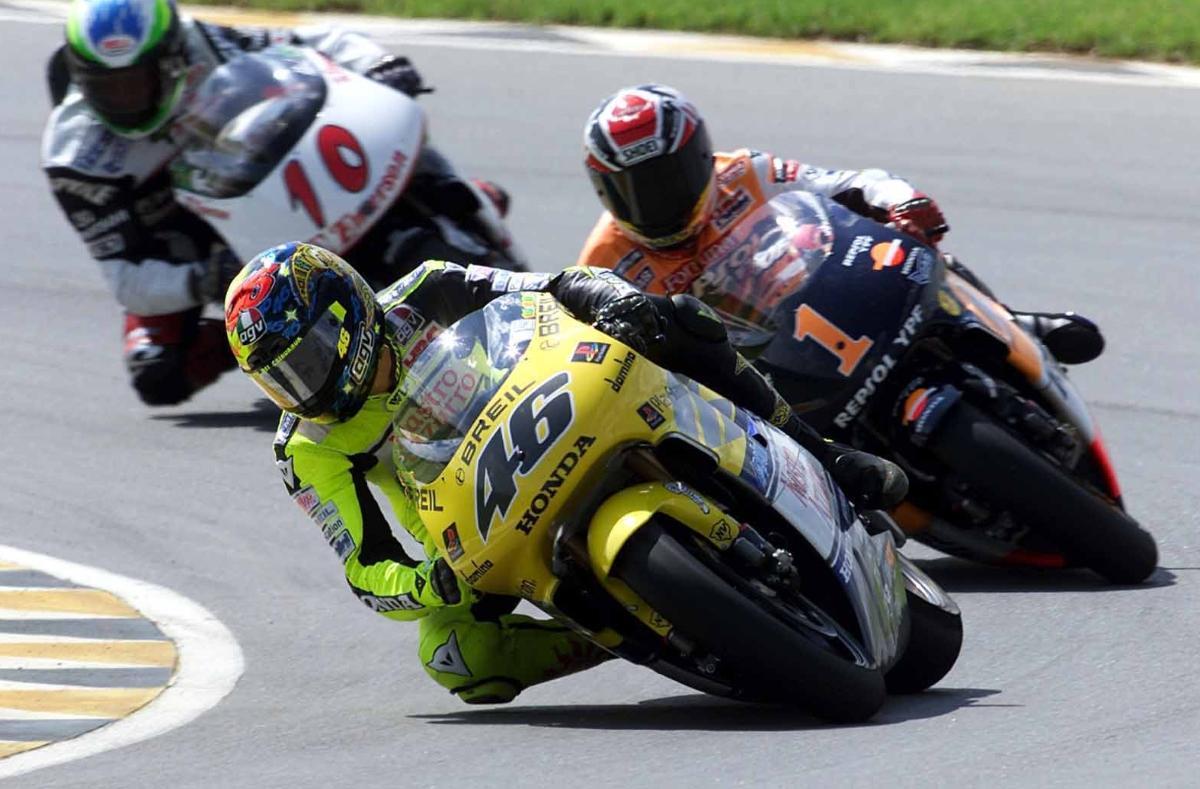 Valentino Rossi - Nastro Azzuro Honda (2000 500GP)