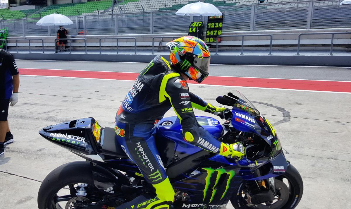 PICS: Valentino Rossi's new Sepang test helmet