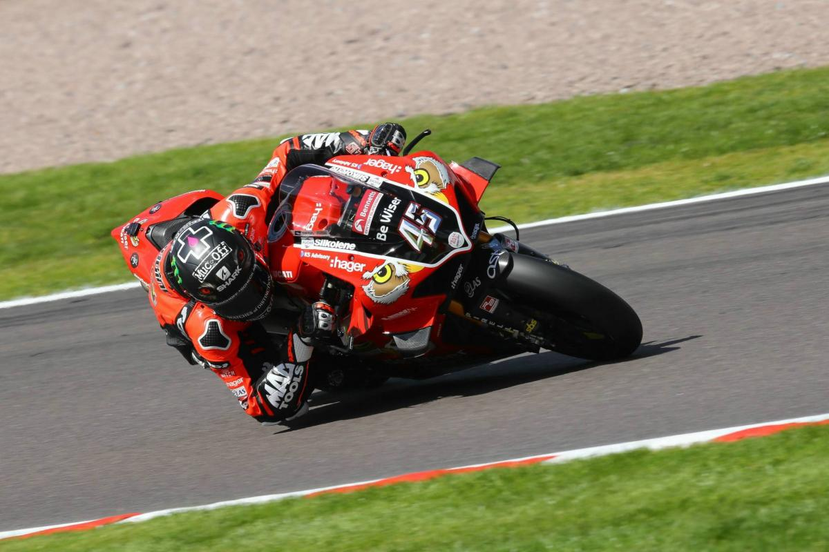 Savvy Redding denies luckless Fores in rain curtailed race