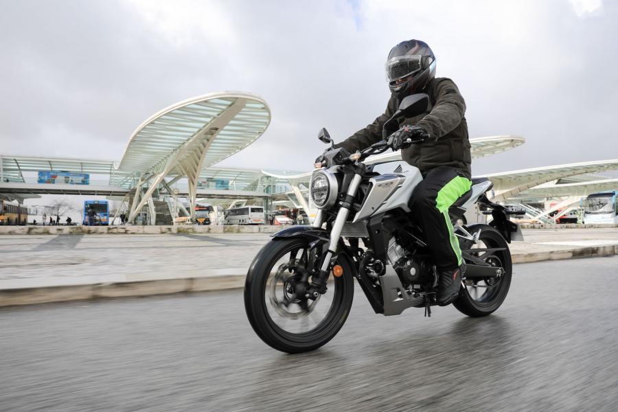 Honda CB125R YM18 5001.jpg