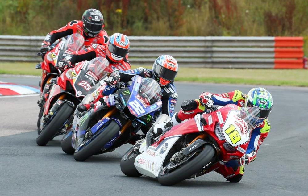 Start of BSB Race [credit: Ian Hopgood Photography]