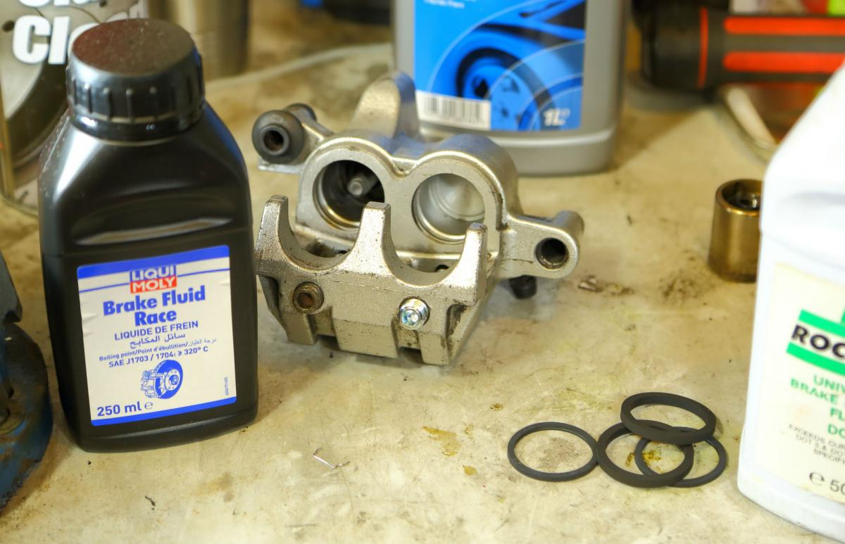 How to... change brake caliper seals