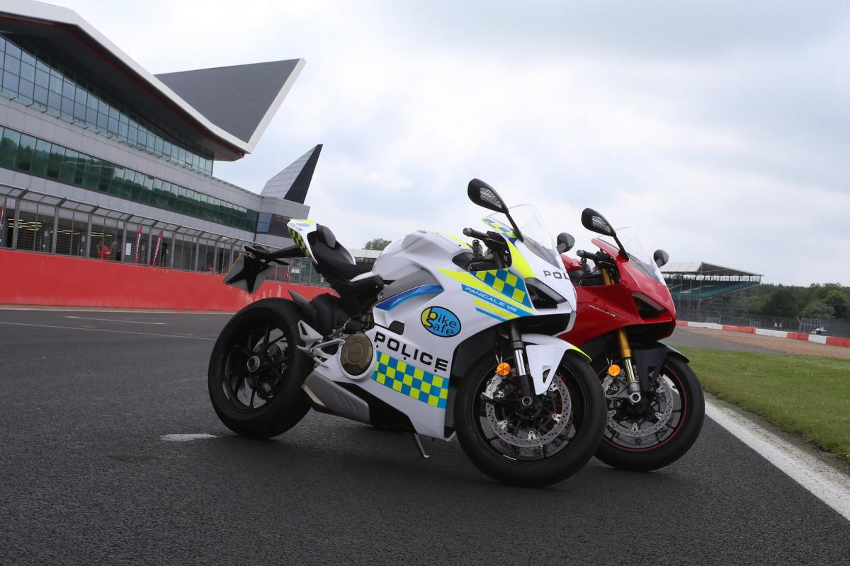 V4 Vendetta Ducati Kits Out Uk Cops With Panigale V4 Visordown