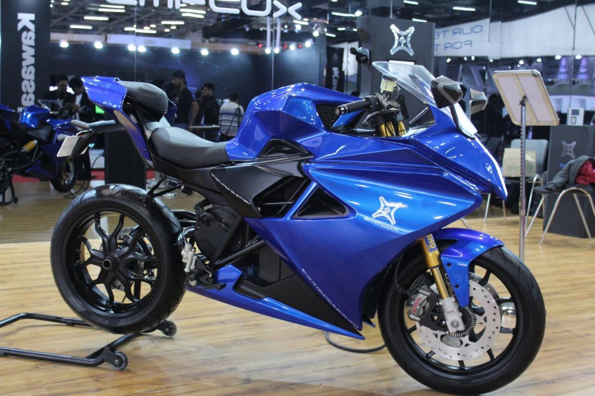 Electric Sports Bike >> Emflux One India S Electric Sports Bike Visordown