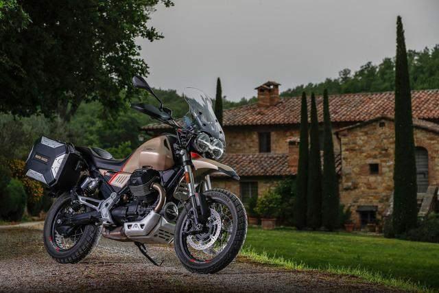 Piaggio Group Moto Guzzi V85TT Travel