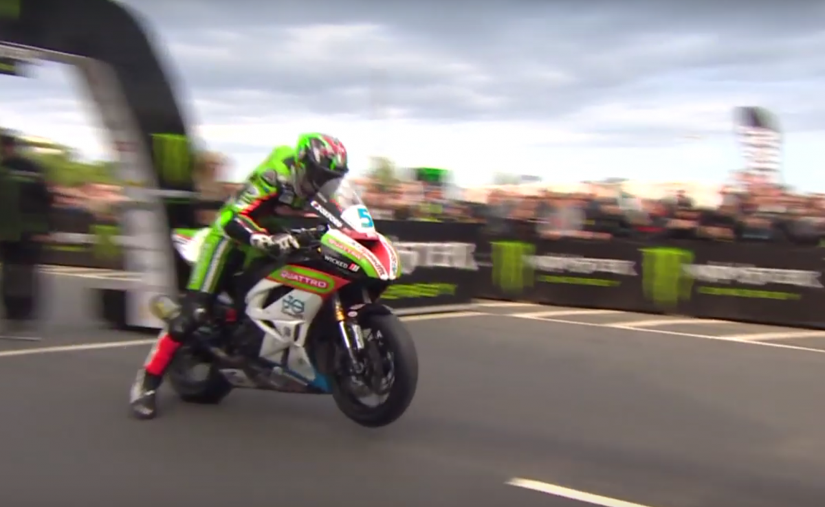 Isle of Man TT Supersport race 1.