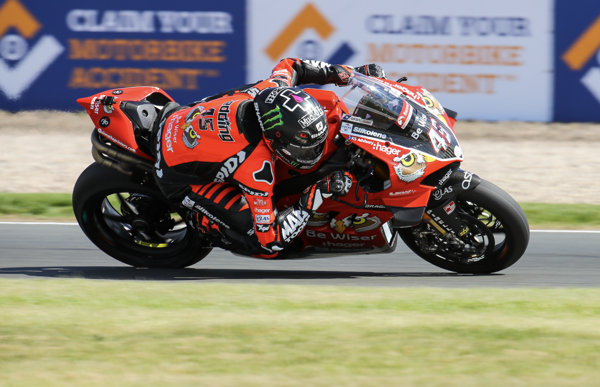 Redding marches to first BSB win in Donington thriller