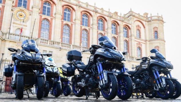 Yamaha's NIKEN confirmed as official support bike for Tour de France