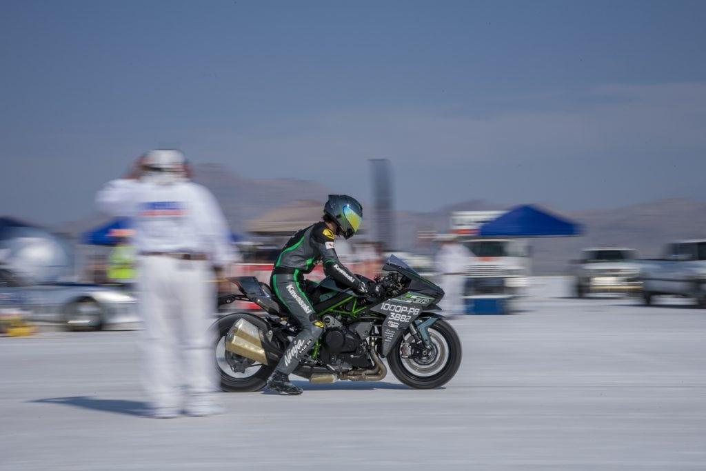 Kawasaki H2 sets world speed record at Bonneville