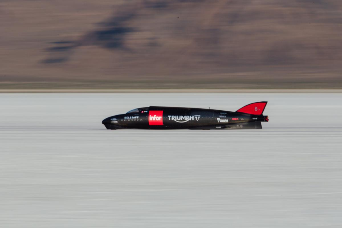 Guy Martin hits 274mph on Bonneville Salt Flats