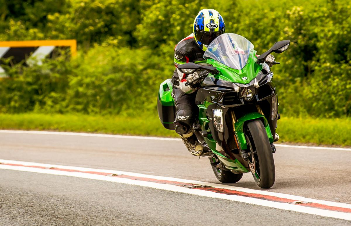 2018 Kawasaki H2sx Se First Uk Impressions Visordown